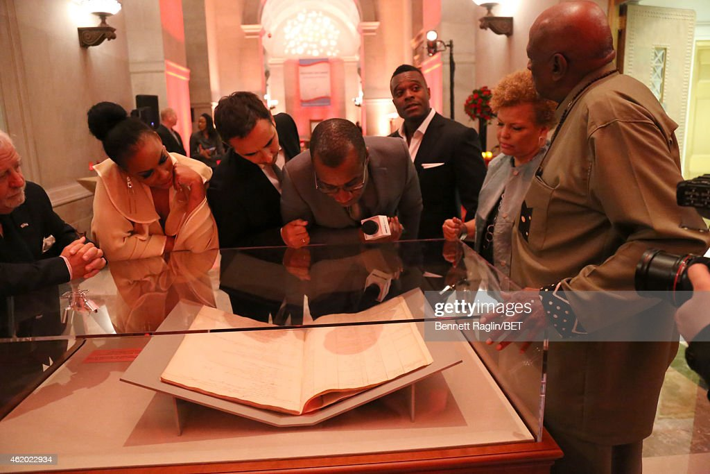 Aunjanue Ellis, Damon D'Oliveira, Clement Virgo, Lyriq Bent, Debra L. Lee and Louis Gossett Jr. attend 'The Book of Negroes' screening reception at The National Archives on January 22, 2015 in Washington, DC.
