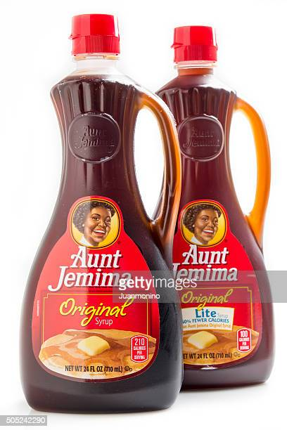 aunt jemima brand original and lite syrup - aunt stock pictures, royalty-free photos & images