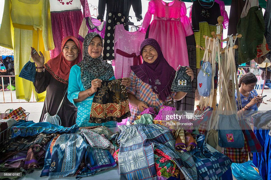 Informal Workers Around the World - Bangkok, Thailand - Images of Empowerment : News Photo