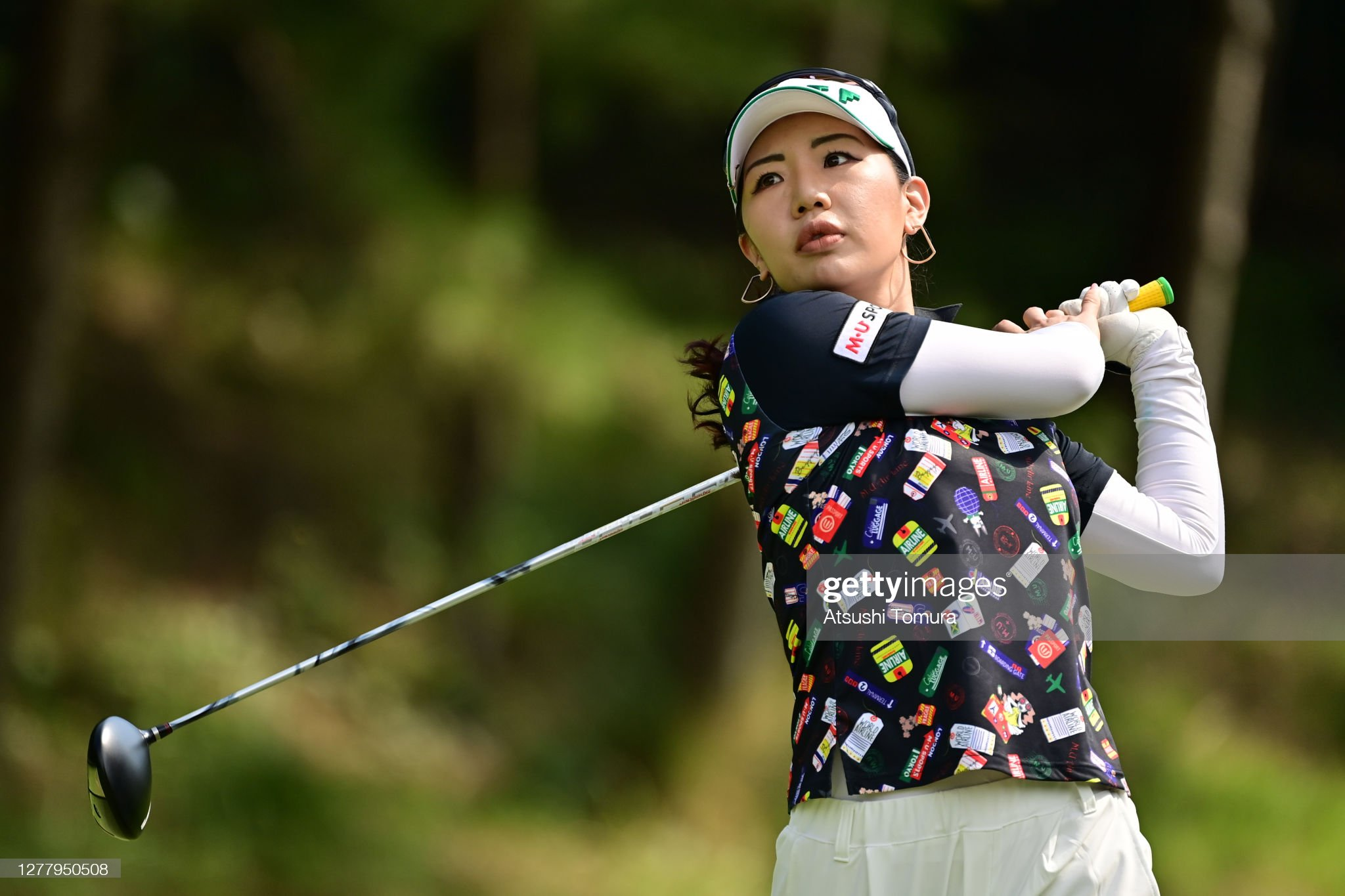 https://media.gettyimages.com/photos/aureum-hwang-of-south-korea-hits-her-tee-shot-on-the-8th-hole-during-picture-id1277950508?s=2048x2048