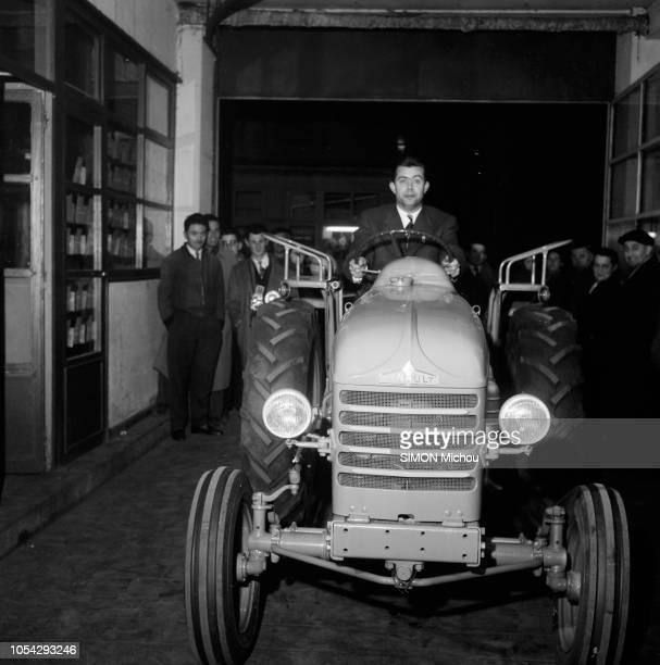 Aurillac, France, fin janvier 1958 --- Le 27e Rallye de Monte-Carlo 1958 a été remporté par Guy Monraisse et Jacques Féret sur Renault Dauphine. Le...