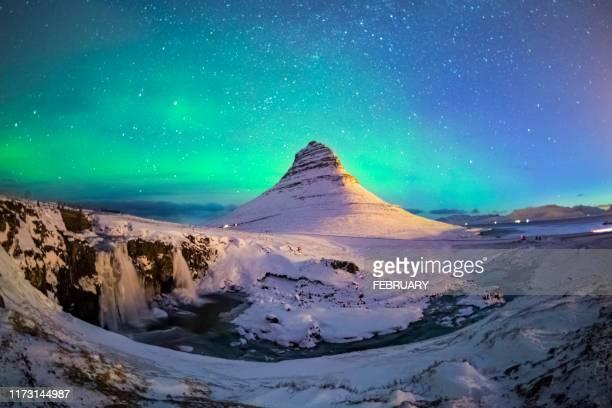 aurora at iceland - ハイビジョンテレビ ストックフォトと画像