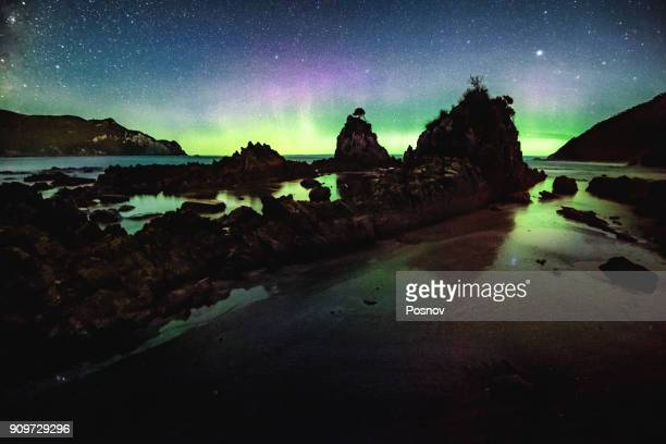 aurora australis at wilson bright - aurora australis stock pictures, royalty-free photos & images