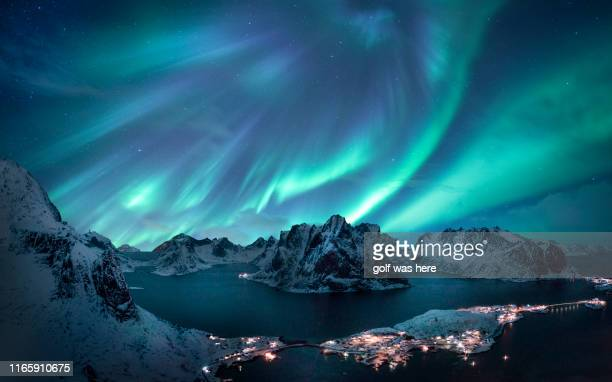 aurora display - aurora borealis stock pictures, royalty-free photos & images