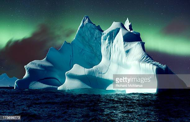 aurora over icebergs - greenland stock pictures, royalty-free photos & images