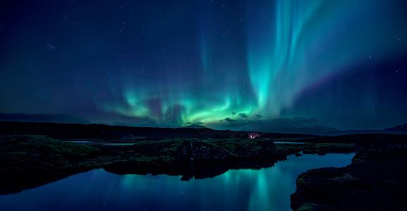 Aurora over the Silfra Rift in Iceland - gettyimageskorea