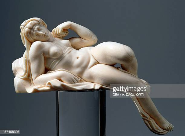 Aurora reproduction of the original by Michelangelo ivory 21 cm Germany 17th century Florence Palazzo Pitti Museo Degli Argenti