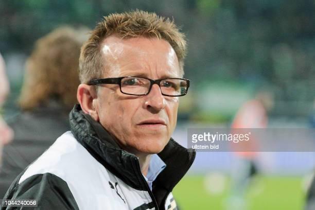 Aus 1 BL VfL Wolfsburg gegen Fortuna Düsseldorf 11 in der VW Arena Im Foto Duesseldorf Trainer Norbert Meier