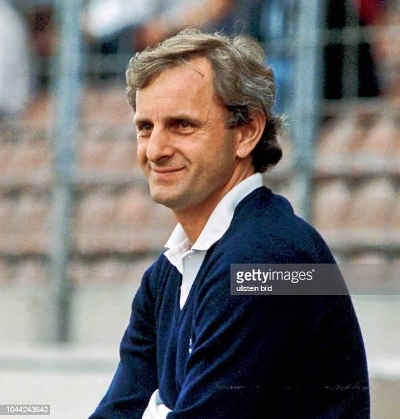 Aus 2 BL Saison 1988/1989 Eintracht Braunschweig gegen Fortuna Düsseldorf 00 Im Foto Fortuna Trainer Alexandar Ristic