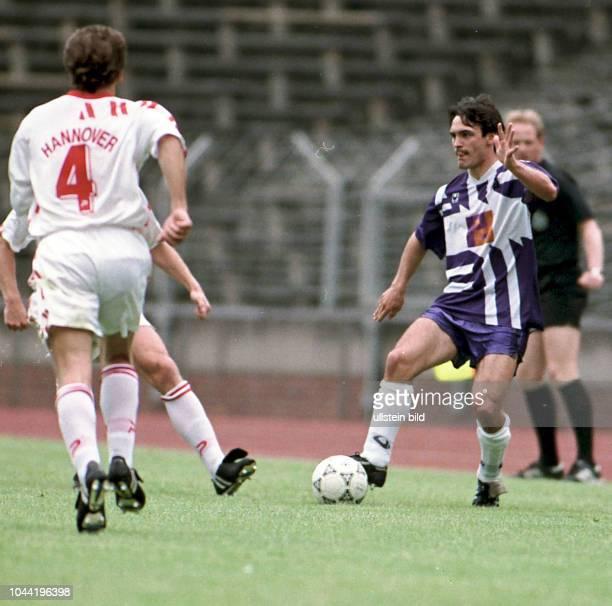 Aus 2 BL Saison 1992/1993 Hannover 96 gegen VfL Osnabrück 21 Im Foto VfL OS Spieler