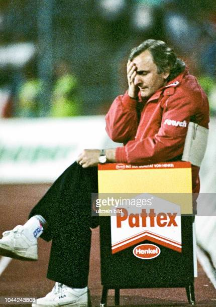 Aus 2 BL Saison 1992/1993 Hannover96 gegen Fortuna Düsseldorf 20 im Niedersachsenstadion Im Foto Düsseldorf Trainer Alexandar Ristic