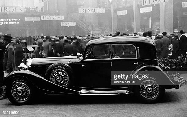 Aus dem pariser AutosalonMercedes Benz 380 K als viertürigeLimousine OT'Einer auf dem PariserAutosalon am meisten beachteten Wagengrosser Klasse...