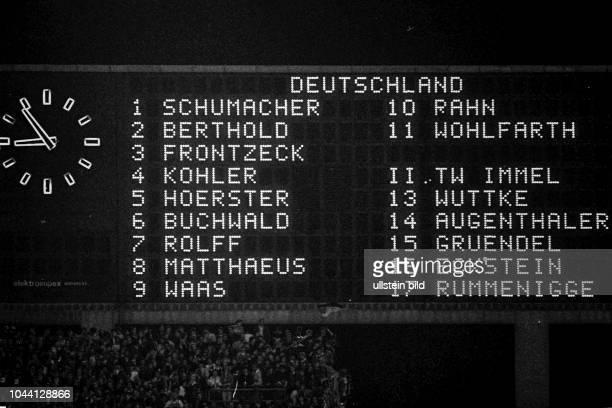 Aus DFB Länderspiel Deutschland gegen Spanien 2:2 im Niedersachsenstadion in Hannover. Im Foto: TW Harald Schumacher