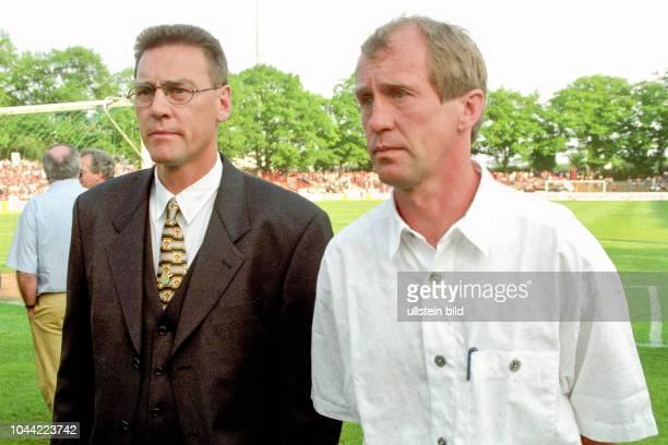 Aus Relegationsspiel zur 2. BL Saison 1996/1997 Regionalliga Nord-Ost / Regionalliga Nord FC Energie Cottbus gegen Hannover 96 3:1 im Stadion der...