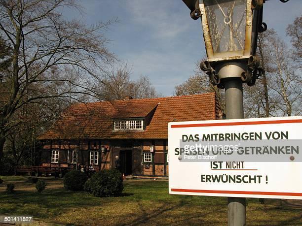 AusflugsLokal Melchers Hütte bei OsterholzScharmbeck Teufelsmoor Niedersachsen Deutschland Europa Schild Reise BB DIG PNr 315/2012