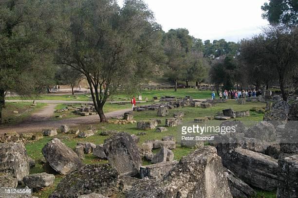 Ausgrabungsstätte in Olympia Griechenland Europa Mittelmeer ProdNr 188/2006 Antike antik Archäologie archäologische Stätte früherer Austragungsort...