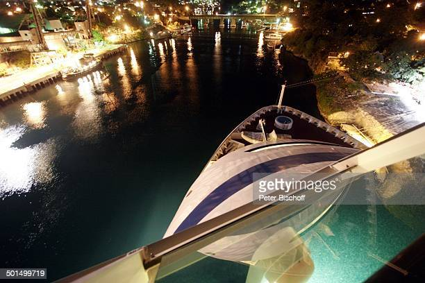 Auslaufen vom Kreuzfahrtschiff 'AIDAvita' Hafen La Romana Dominikanische Republik Karibik Kreuzfahrt Schiff Bug Reise BB CD PNr 068/2007
