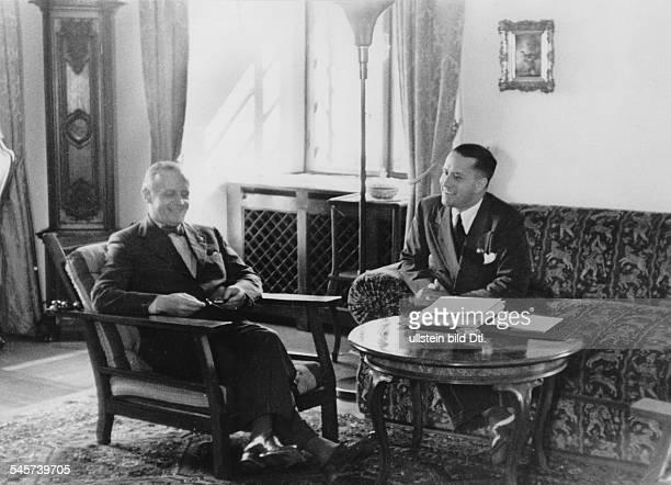 Aussenminister Ciano im Gespräch mit ReichsaussenministerJoachim v Ribbentrop auf Schloss Fuschlam Fuschlsee
