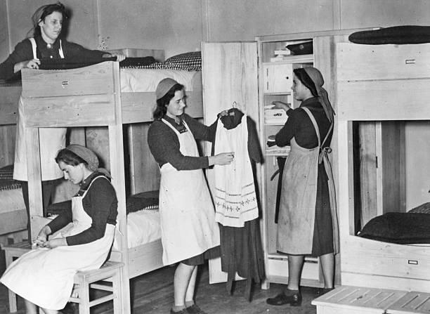 Reichsarbeitsdienst Frauen - Lager Pictures | Getty Images