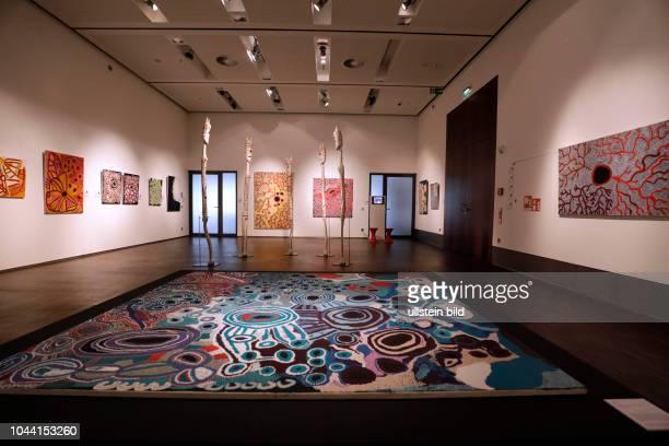 """Ausstellung """"Wüste – Meer – Schöpfermythen/Aboriginal Art der Spinifex und Yolŋu"""" gastiert vom 10 November 2017 bis 4 März 2018 im..."""