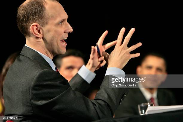 Austan Goolsbee economic advisor to Democratic presidential hopeful Sen Barack Obama answers questions from audience members during a campaign stop...