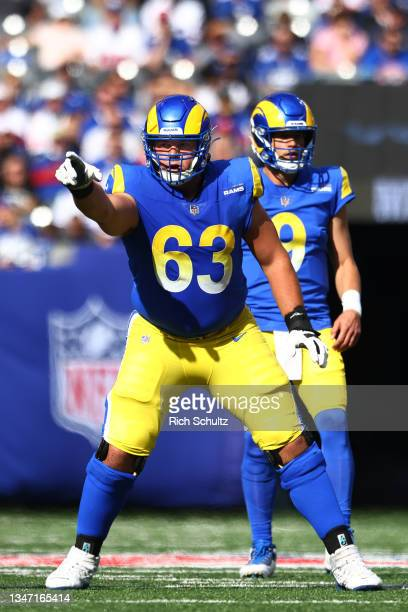 Austin Corbett of the Los Angeles Rams in action against the New York Giants during a game at MetLife Stadium on October 17, 2021 in East Rutherford,...