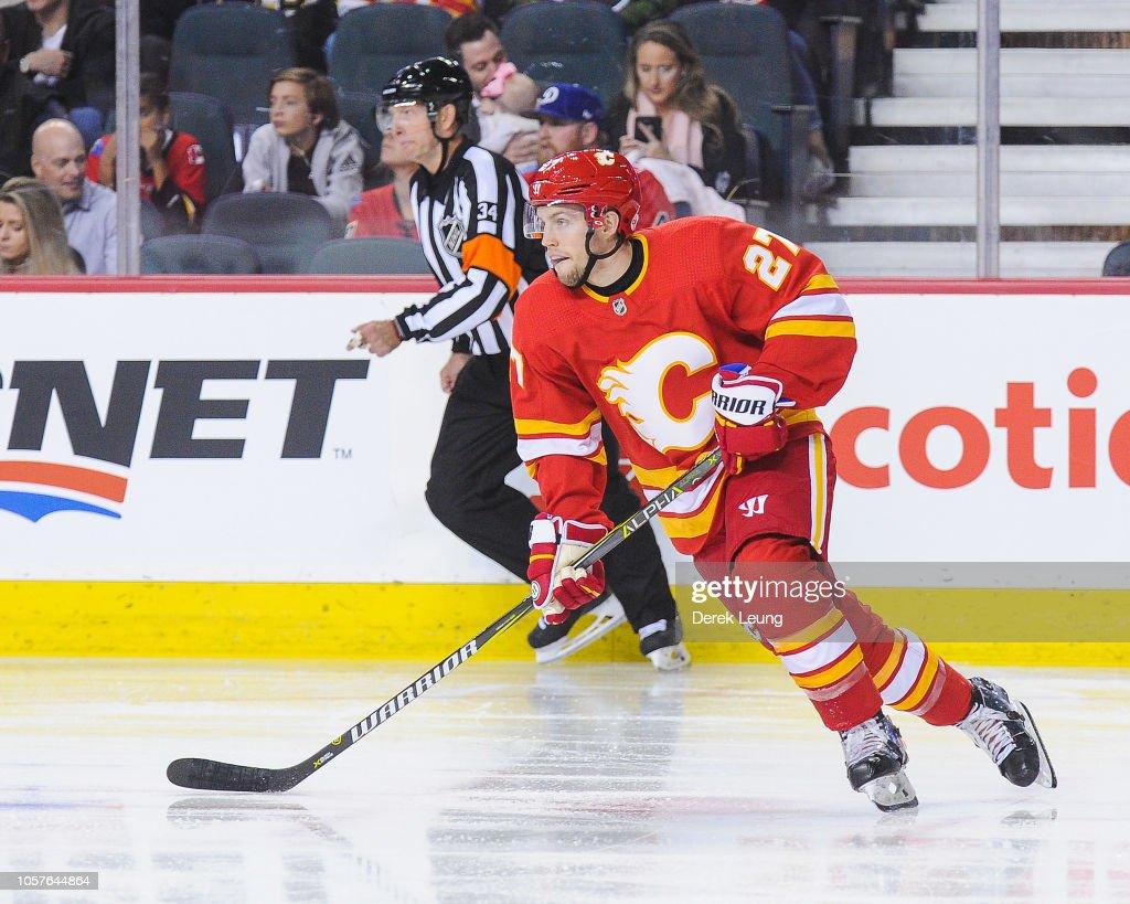 Boston Bruins v Calgary Flames : News Photo