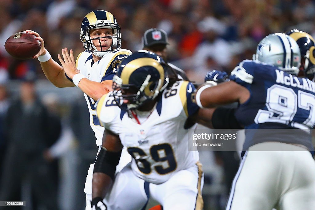 Austin Davis #9 of the St. Louis Rams looks to pass the ball against the Dallas Cowboys int he third quarter at the Edward Jones Dome on September 21, 2014 in St. Louis, Missouri. The Cowboys beat the Rams 34-31.