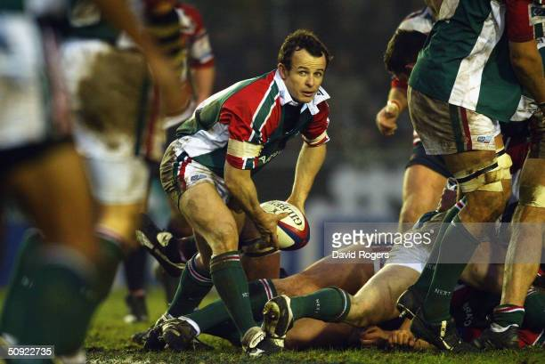 Austin Healey of Leicester in action during the Zurich Premiership match between Leicester Tigers and Gloucester at Welford Road on January 3, 2004...