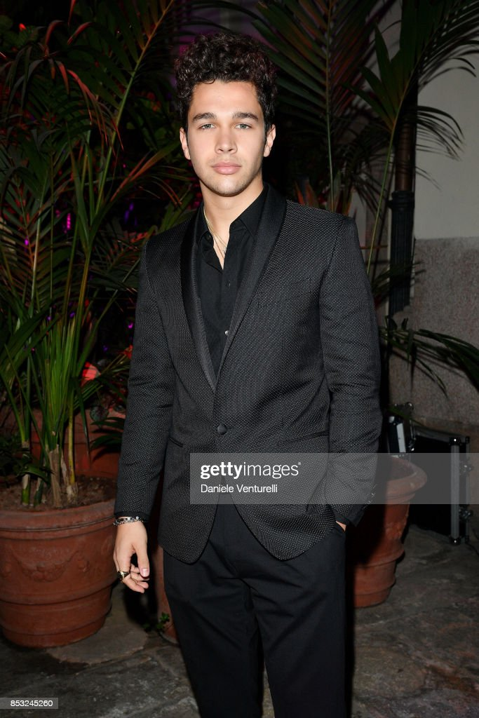 Dolce & Gabbana Queen Of Hearts Party : News Photo