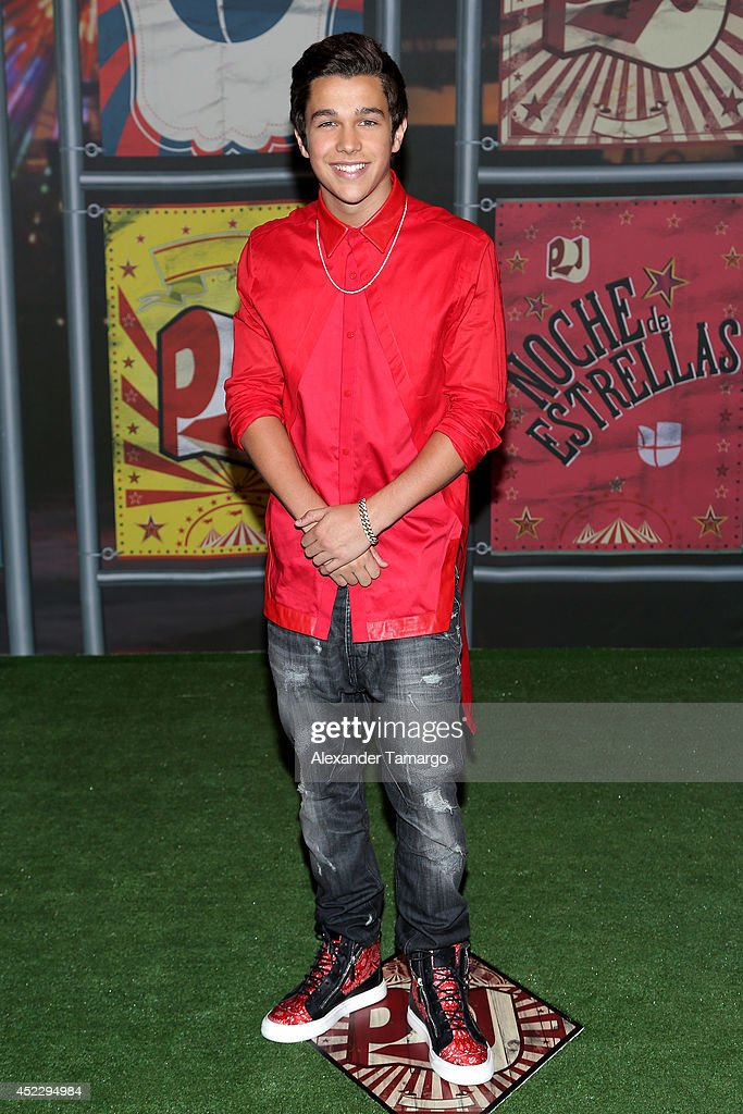 Austin Mahone attends the Premios Juventud 2014 at The BankUnited Center on July 17, 2014 in Coral Gables, Florida.