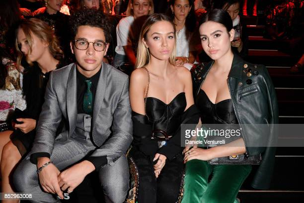 Austin Mahone Delilah Belle Hamlin and Amelia Gray Hamlin attend the Dolce Gabbana show during Milan Fashion Week Spring/Summer 2018 on September 24...