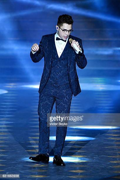 Austin Mahone performs at the Dolce Gabbana show during Milan Men's Fashion Week Fall/Winter 2017/18 on January 14 2017 in Milan Italy