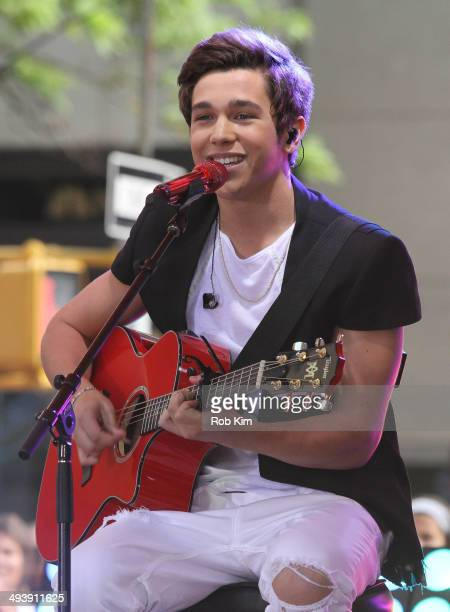 Austin Mahone performs on NBC's 'TODAY' Show on May 26 2014 in New York New York