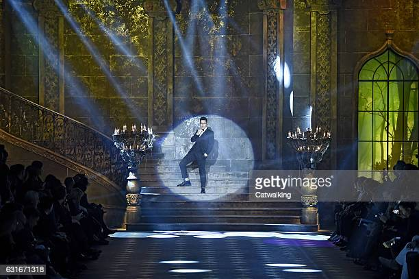 Austin Mahone performs on the runway at the Dolce Gabbana Autumn Winter 2017 fashion show during Milan Menswear Fashion Week on January 14 2017 in...