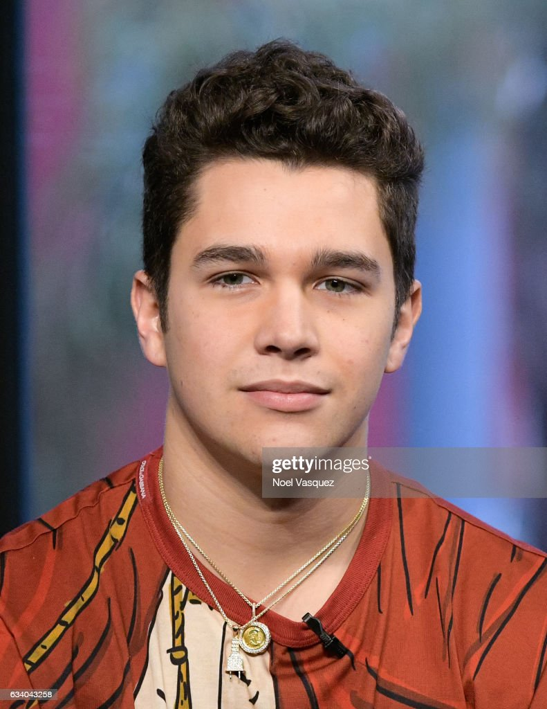 Austin mahone visits austin mahone visits extra at universal studios hollywood on february 6 2017 in voltagebd Choice Image