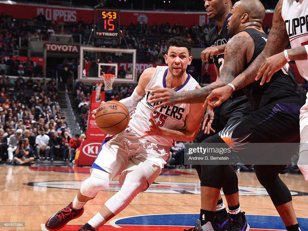 Austin Rivers Of The La Clippers Drives To The Basket Against The