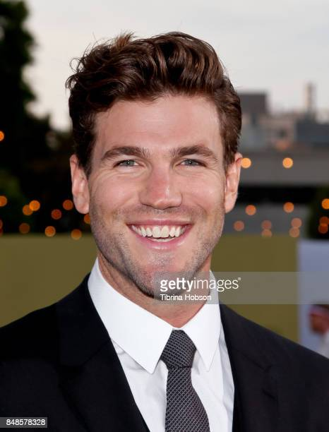 Austin Stowell attends the premiere of Fox Searchlight Picture 'Battle Of The Sexes' at Regency Village Theatre on September 16 2017 in Westwood...