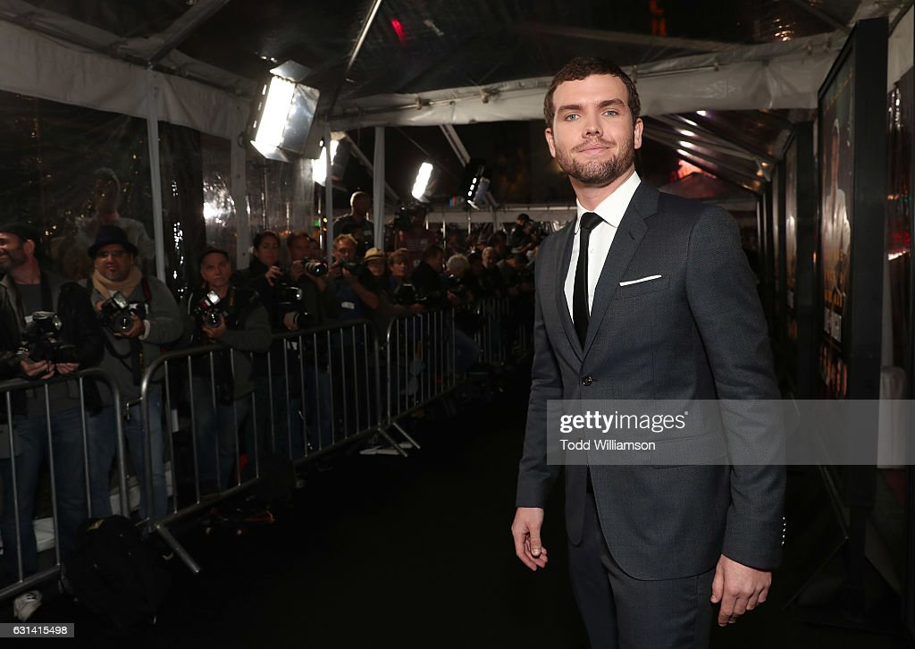 """Premiere Of Warner Bros. Pictures' """"Live By Night"""" - Red Carpet : News Photo"""