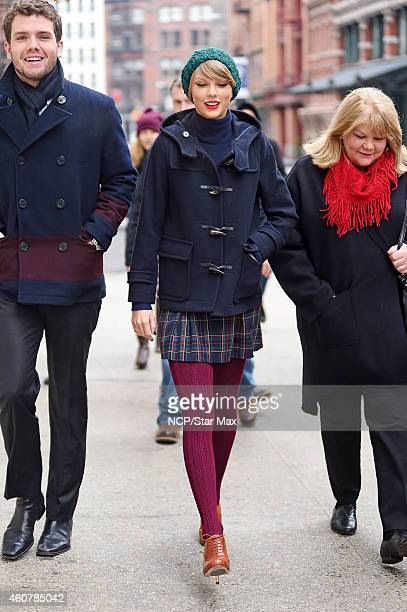 Austin Swift Singer Taylor Swift and mother Andrea Finlay are seen on December 22 2014 in New York City