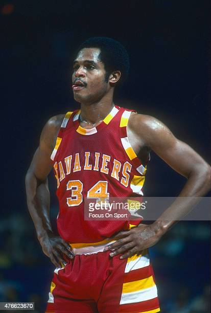 Auston Carr of the Cleveland Cavaliers looks on against the Washington Bullets during an NBA basketball game circa 1977 at the Capital Centre in...