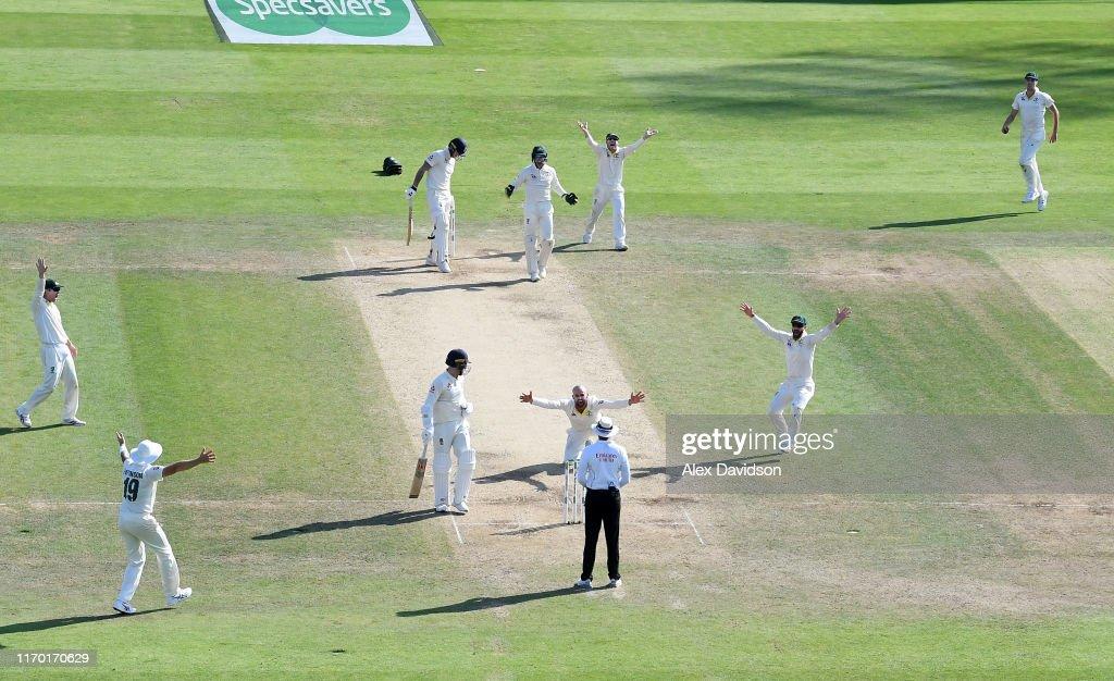 England v Australia - 3rd Specsavers Ashes Test: Day Four : ニュース写真