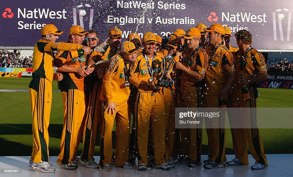 Australia captain Ricky Ponting and the Australian team celebrate their 6-1 series victory after the 7th NatWest ODI between England and Australia at The Riverside on September 20, 2009 in Chester-le-Street, England.