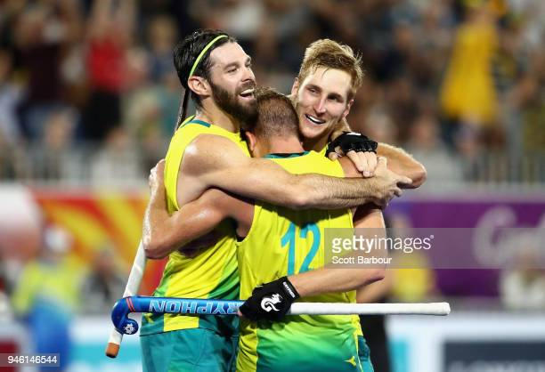 Australia celebrate victory in the Men's gold medal match between Australia and New Zealand during Hockey on day 10 of the Gold Coast 2018...