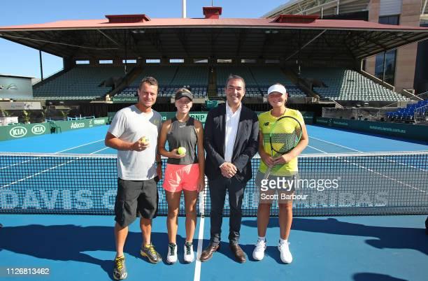 Australia Davis Cup captain Lleyton Hewitt Steven Marshall SA Premier and South Australian junior players Amber Marshall and Charlotte KempenaersPocz...