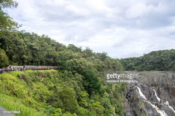 オーストラリア:キュランダ風光明媚な鉄道 - クランダ ストックフォトと画像