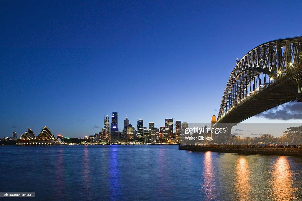 Australia, New South Wales, Sydney, Skyline and Sydney Harbour Bridge : Stockfoto