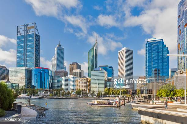 australia, oceania, western australia, swan river, perth, river and skyscrapers - perth australia stock pictures, royalty-free photos & images