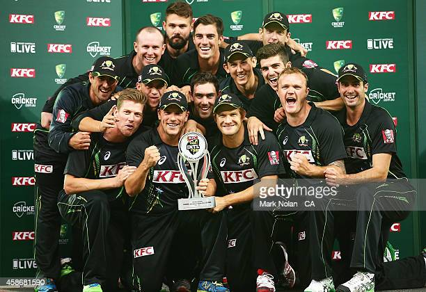 Australia pose for a team photo after winning game three of the Men's International Twenty20 series between Australia and South Africa at ANZ Stadium...
