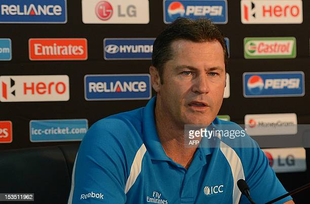 Australia retiring umpire Simon Taufel addresses a press conference in Colombo on October 6 2012 Retiring umpire Simon Taufel said that a 2009 terror...